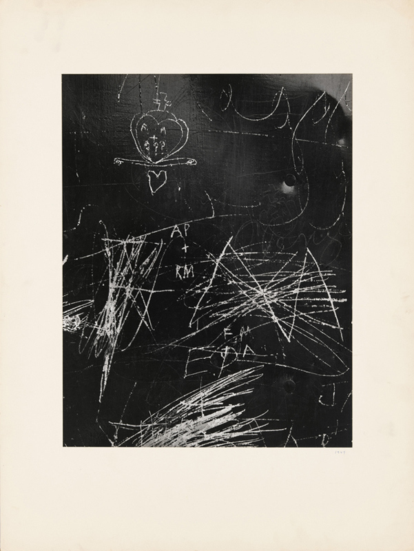 Aaron Siskind (1903–1991), Untitled, 1949. Gelatin silver print, Sheet and Image: 13 3/8 × 10 3/8in. (34 × 26.4cm). Whitney Museum of American Art, New York; gift of Alice and Leo Yamin 92.50. Photograph by Robert Gerhardt